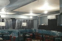 Перламутровая переливающаяся двумя различными оттенками на потолке,штукатурка DiPerla дает новый визуальный эффект.Караоке-клуб Гэтсби скоро открытие.
