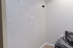 Одна из современных тенденций в отделке-кирпичная стена.Здесь штукатурка Капатект Минерал-Ролпутц имитирующая кирпич